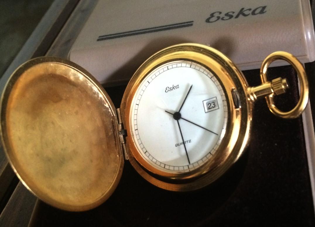 889bfb3549a Raro e antigo(adquirido a mais de 35 anos) este relógio
