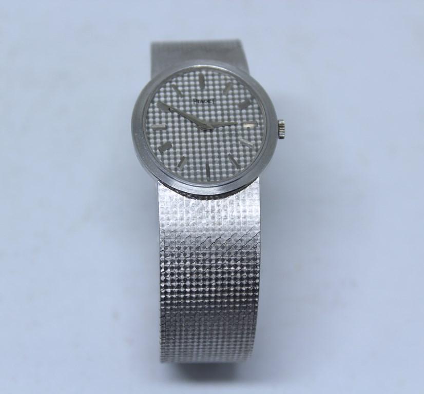0d4ee4a65cf PIAGET - Elegante relógio feminino de pulso em ouro bra