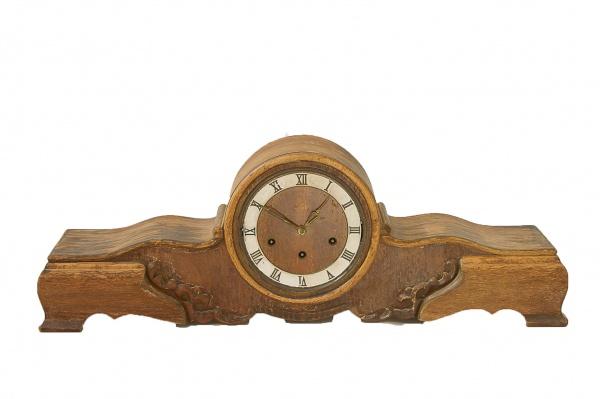 22791949386 Antigo relógio de mesa no estilo inglês dito