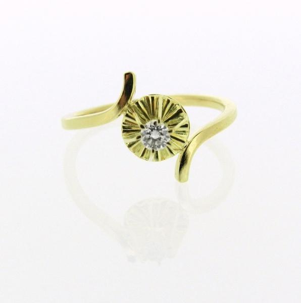 5566f8e97b715 Anel Solitário Em Ouro Amarelo 18K Com Diamante Lapidação Brilhante Aro 18.  Cerca De 2