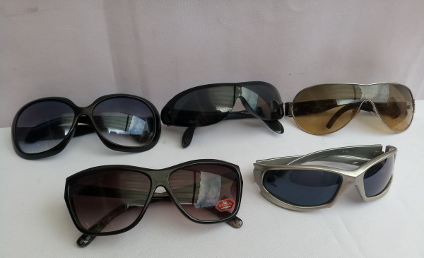 17f5e4875 Lote composto de 5 Óculos de Sol, diferentes modelos e marcas