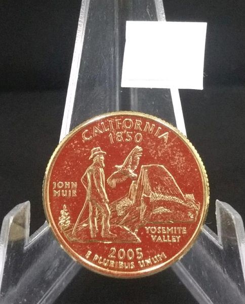 541  Numismática  MOEDA QUATER DOLLAR COM BANHO DE OURO