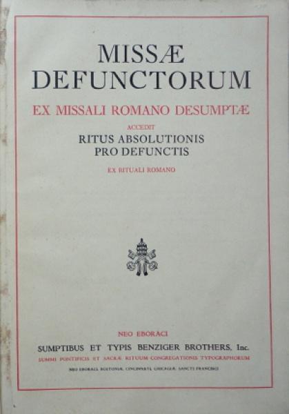 """Livro """"Missal Defunctorum Ex Missali Romano Desumptae Accedit Ritus Absolutionis Pro Defunctis"""", editora Sumptibus et Typis Benziger Brothers, ano 1941. 72 páginas, livro em latim em bom estado, capa dura preta."""
