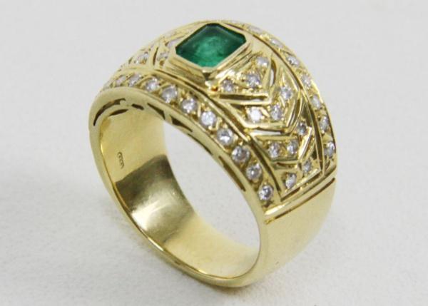4443ae9c6a4 Belíssimo anel em ouro 18k