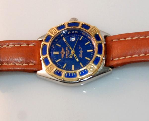 3fc1163c90d ESPLENDOROSO! Relógio marca Breitling Modelo feminino