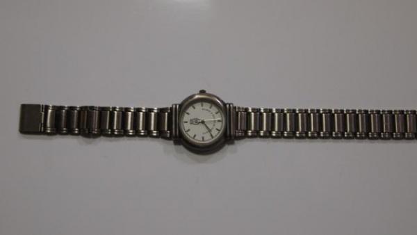3615a0c68ec Funcionando. Antigo Relógio de Corda Suíço Feminino Com