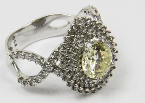 99de0ccad9fb3 VIVARA - magnífico anel solitário em ouro branco com 110 diamantes e  brilhante central com 1,18 cts classificação VVS1 OP. Aro 15