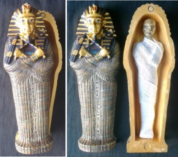 Sarcofago Egipcio Em Material Sintetico Com Mumia Na