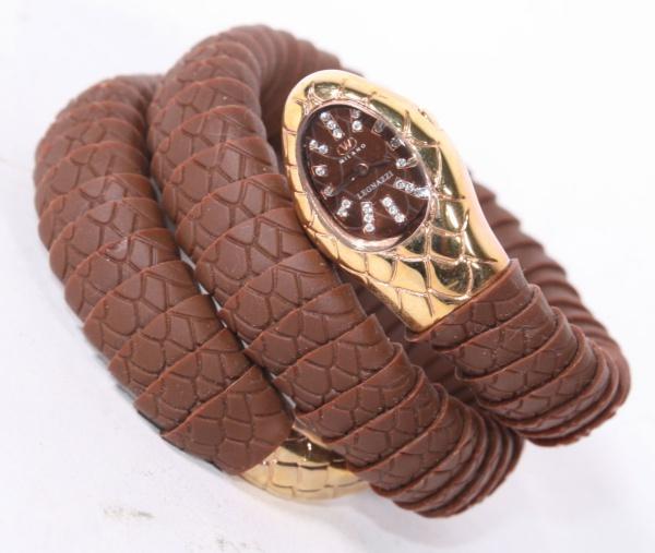 b7d760ebaed Relógio feminino `Gucci` com pulseira dourada. Novo e s