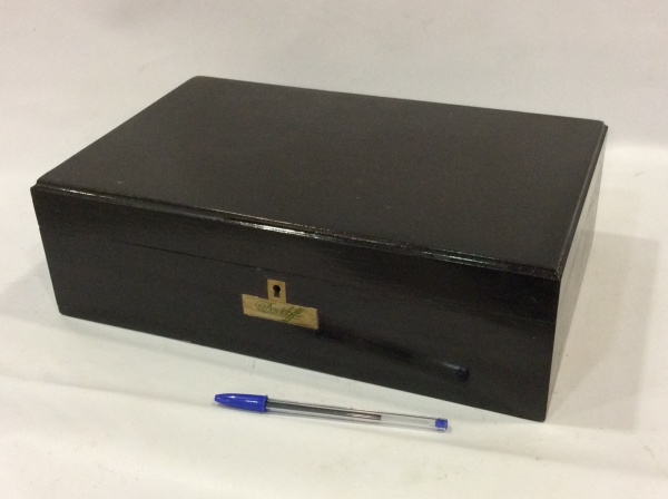 4c5578dd328 Davidorf - Importante caixa para charutos em madeira nobre européia. 12 x  35 x .
