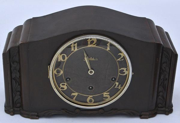 1c6d4c10e26 Relógio português para cima de móvel da marca Reguladora