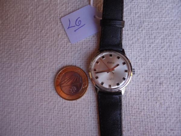 18407460c14 relógio antigo ESKA a corda muito conservado. Funcionando bem. Praticamente  sem detalhes.