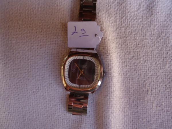 1032235dd27 Relógio Nelima a corda bastante conservado. Sêlo original de papel no  fundo. Funcionando mas precisa de limpeza