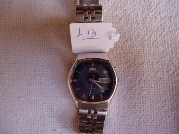 786cedc4a71 Relógio Orient antigo japonês conservado. Modelo diferenciado.Funcionando.  Pulseira original. Pequenos riscos de uso. Mostrador azul.