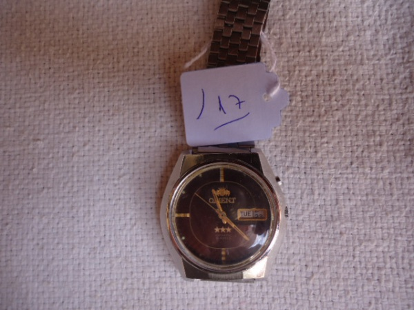 e6f62e725bf Relógio Orient antigo conservação razoável. Funcionando. Mostrador sem  detalhes na cor marrom