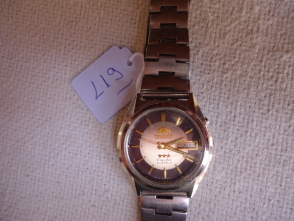 2ec5fbef67a Relógio Orient antigo conservação razoável. Funcionando. Riscos de uso  inclusive no vidro. Mostrado bonito.