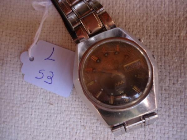 2e0cac38455 Relógio Orient AAA com detalhes no mostrador e pulseira não é original.  Funcionando