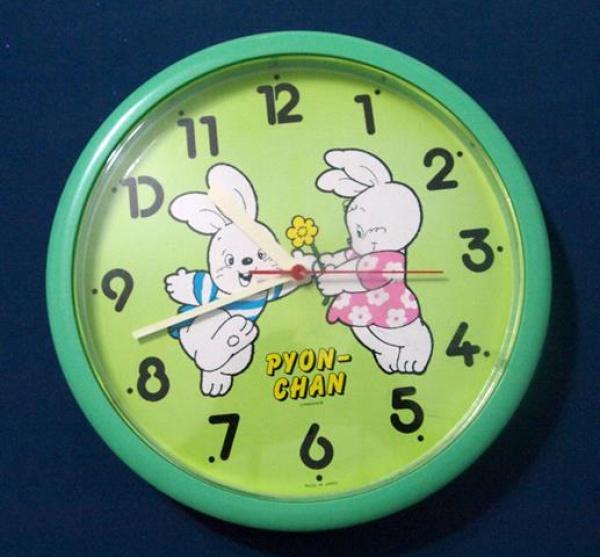 f5eca65cebd Lindo Relógio Infantil de Coelhinhos - medindo 25 cm de diâmetro. (SERG)