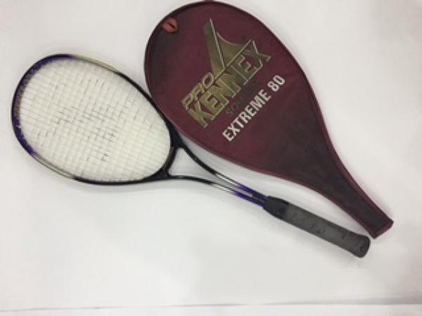 a37b00395 Raquete para Squash em alumínio, da marca Pro Kennex, modelo extreme 80. Em  bom .