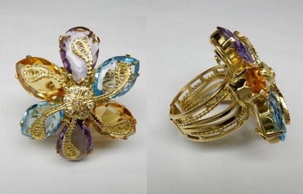 ab0c85555fb Excepcional anel em ouro 18 K com incrível trabalho de ourivesaria contendo  .