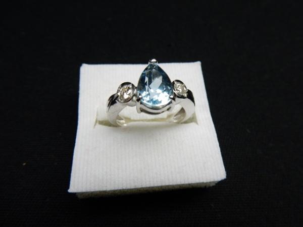00f050dadb6 ÁGUA MARINHA EXTRA - Magnifico anel em ouro branco 18 k 750 com preciosa  Água .