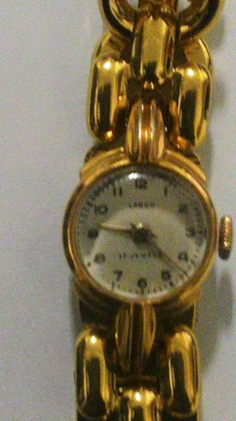e8fd8556968 Antigo Relogio de Pulso feminino - Marca LANCO- folheado a ouro 23k - 17  rubis .