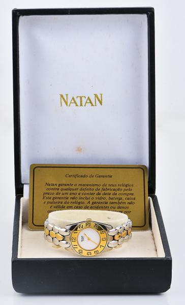 567c926ae44 Relógio NATAN feminino dourado e prateado com certificado de autenticidade  na caixa original.
