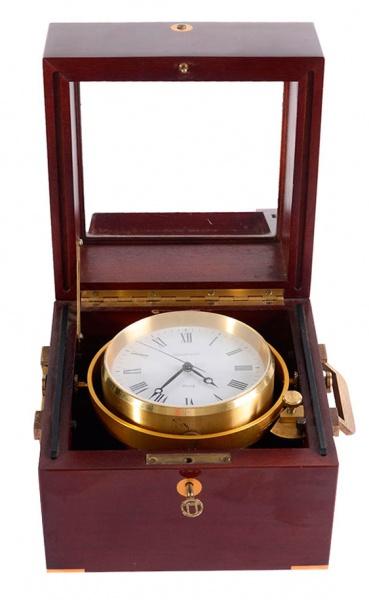 b12a5cc400e Tiffany   Co. Relógio náutico. Peça acondicionada em c