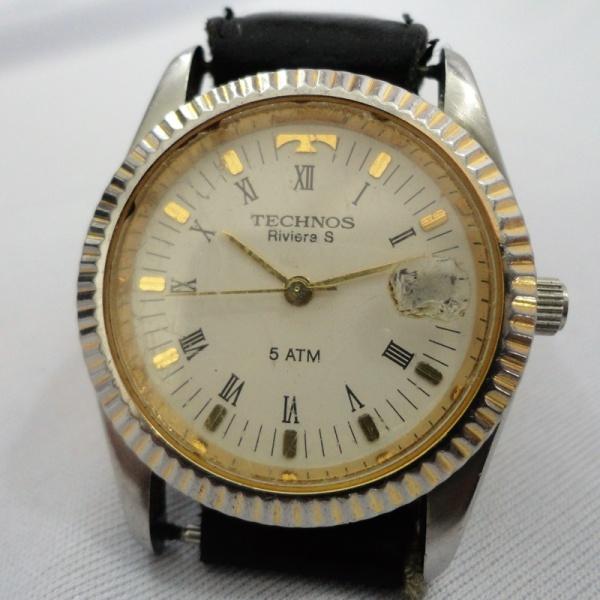 Relógio Technos Riviera S - 5 Atm - Masculino, prata com dourado com  Pulseira de Couro. (Vidro com desgaste na mostrador de dia (lupa).  FUNCIONANDO 73daa5e58c