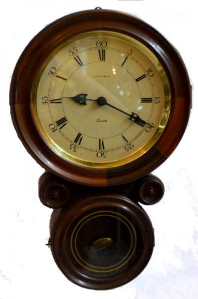 52f8e8bc7b8 Antigo relógio dito