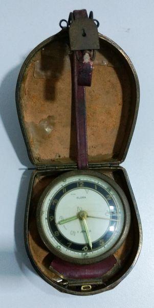 b0f4666140b Antigo Relógio FLORA - No estado - Precisa de reparos - Caixa danificada