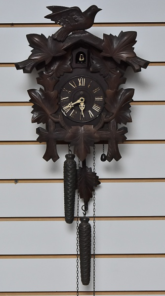 bbd1613f8f7 Relógio cuco mostrador em algarismo romano