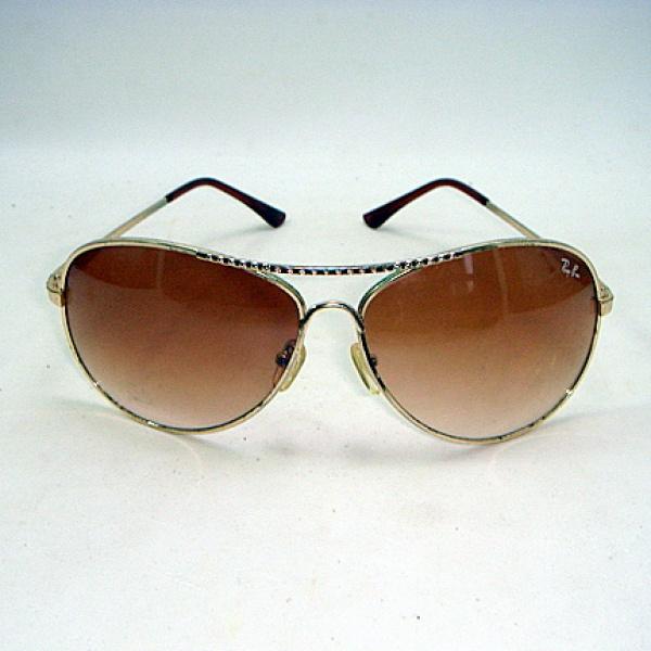 dde3fbe6b Elegante Óculos antigo para Sol com aro dourado e lente