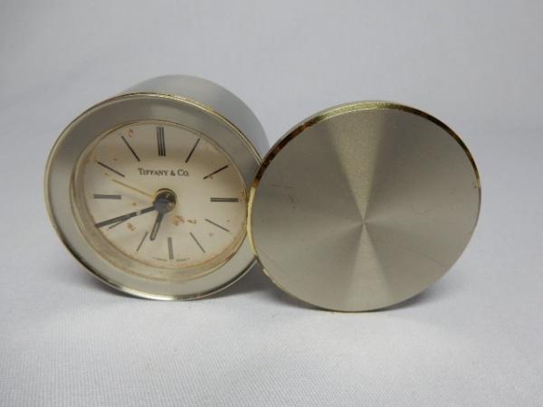 8c407d5736c TIFFANY   CO - Relógio de mesa com linda caixa em metal prateado de  excelente .