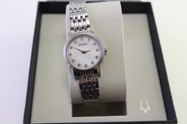e187357020d BULOVA DIAMOND - Belíssimo relógio feminino Bulova Diamond modelo 96 P 175 .