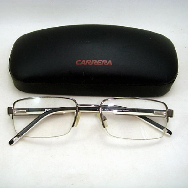 771c2559f Fino Óculos de Grau antigo importado, hastes bicolores,
