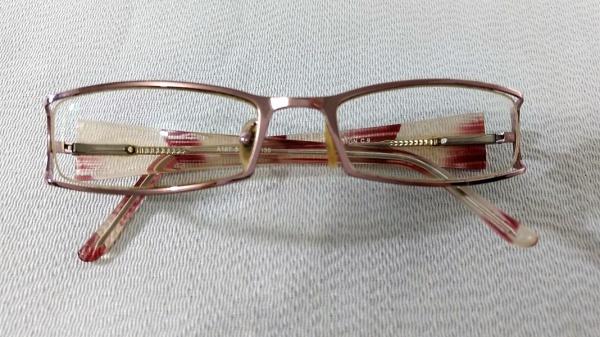 bdf6be6b1 BELÍSSIMO E FEMININO óculos COM LENTES DE GRAU, design ITALIANO, FINA  ARMAÇÃO EM METAL ROSÊ E BAQUELITE RAJADA. ÓTIMO ESTADO!