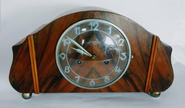 16a623d71fc Belíssimo relógio de mesa alemão marca