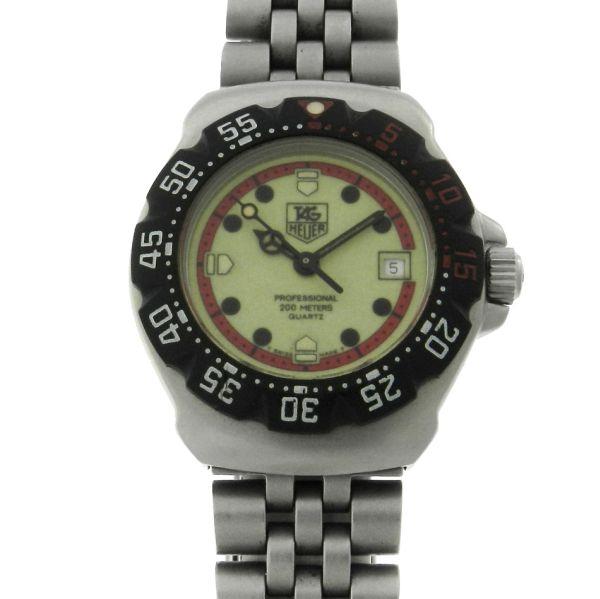 894f2a384c2 Relógio Tag Heuer Formula 1 - Caixa e pulseira em aço - Tamanho da caixa   28mm - Funções  Horas