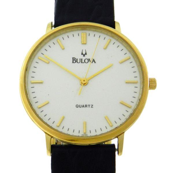 48d53c1ed26 Relógio Bulova Classic - Caixa em aço com plaque de ouro - Pulseira em  couro - .