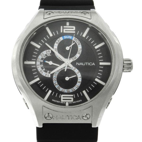 62ae4e264b8 Relógio Nautica Day-Date - GMT - Caixa em aço e pulseira em borracha -  Tamanho da caixa 45mm - Funções  Horas