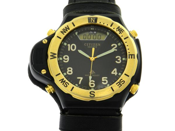 aed6e1c519c Relógio - Citizen Promaster Altichron Vintage C040 Série Ouro - Preto -  Caixa em aço e e pulseira em couro - Tamanho da caixa 42mm - Funções  Horas