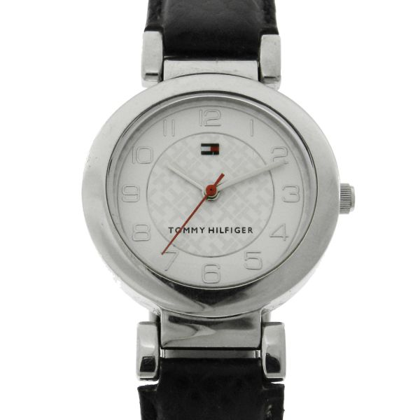 9693fd8c4fb Relógio Tommy Hilfiger - Caixa em aço- Pulseira em couro -Tamanho da Caixa  28.5mm - Funções  Horas