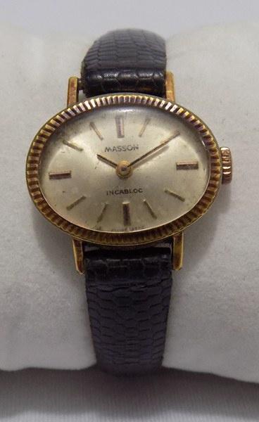 53258457deb Antigo relógio feminino de pulso da marca