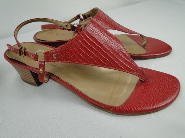 Sandália de salto baixo vermelha da PONTAPÉ 9fd56030c1d