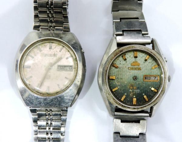 65c5456cda4 Lote contendo 2 relógios masculinos da marca Orient