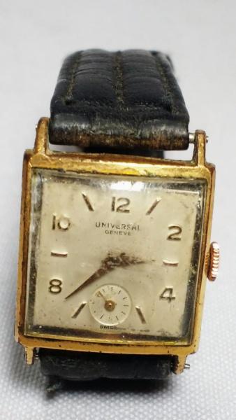 a63af66e0d3 UNIVERSAL - Antigo relógio de pulso suíço a corda