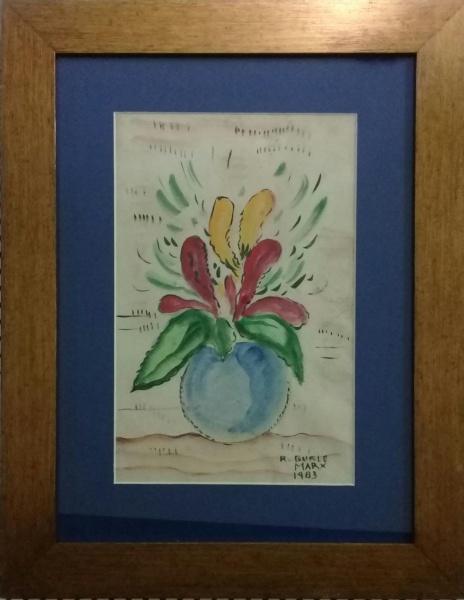 R. BURLE MARX, técnica mista sobre cartão, representando vaso com flores, medindo 18 x 27 cm.