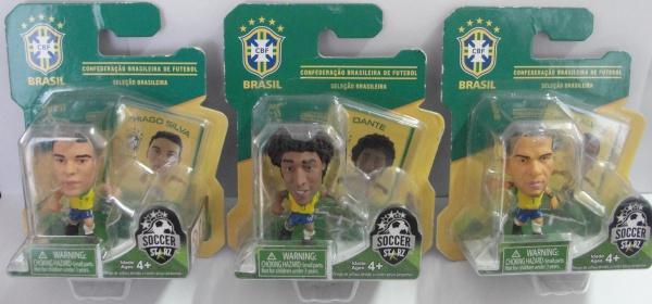 AM000, Lote com 3 miniaturas colecionáveis de jogadores da Seleção Brasileira de Futebol de 2014 (Th