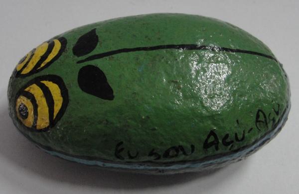 """AM000, SEM ASSINATURA, peso para papel em pedra pintada, """"Eu Sou Açu-Açu"""", medindo 10 x 6 x"""